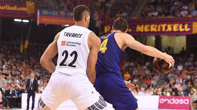 tavares defiende a Ante Tomic tercer partido final liga endesa 2019 24senblanco