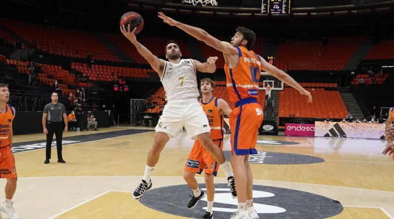 #Crónica   El Real Madrid vence a Valencia Basket y sigue vivo gracias a un heroico Campazzo (95-90)