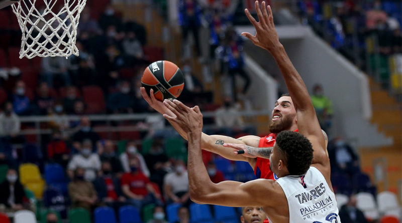 mike james y tavares cska real madrid euroliga 2020-21