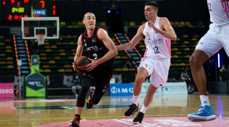 Rouselle y Carlos Alocén en Bilbao Basket Real Madrid ACB