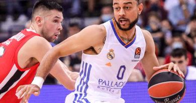 nigel williams-goss y papanikolaou en olympiacos-real madrid euroliga 24senblanco